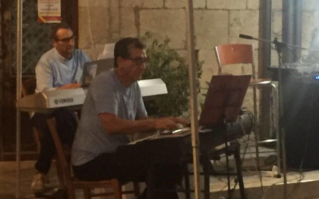 MUSICA IN PIAZZA , l'Associazione Filippo Valenza fa una spettacolo di intrattenimento per raccogliere fondi